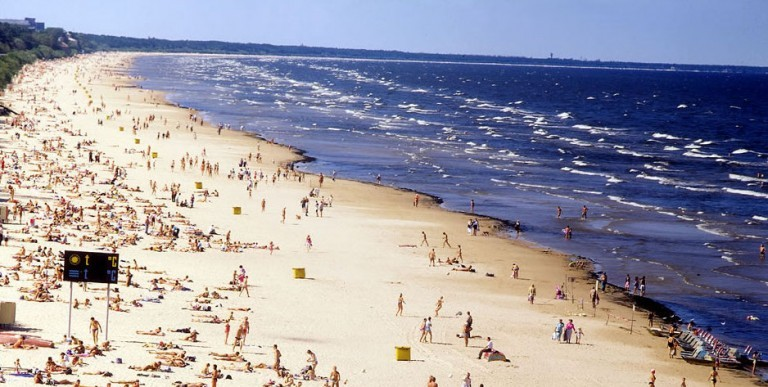 Blue_flag_beach_J-rmala_-_panoramio-2-768x387-1-768x387