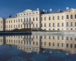 Rundale_palace_-_Igors_Jefimovs_-_Panoramio