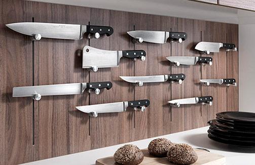 1656_n_accessories-pin-knife-PRE-01